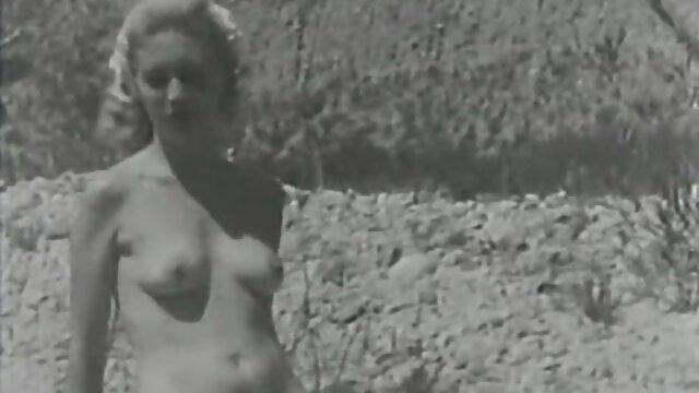 Strict Mistress a décidé d'organiser vidéos sex une séance photo pour son esclave